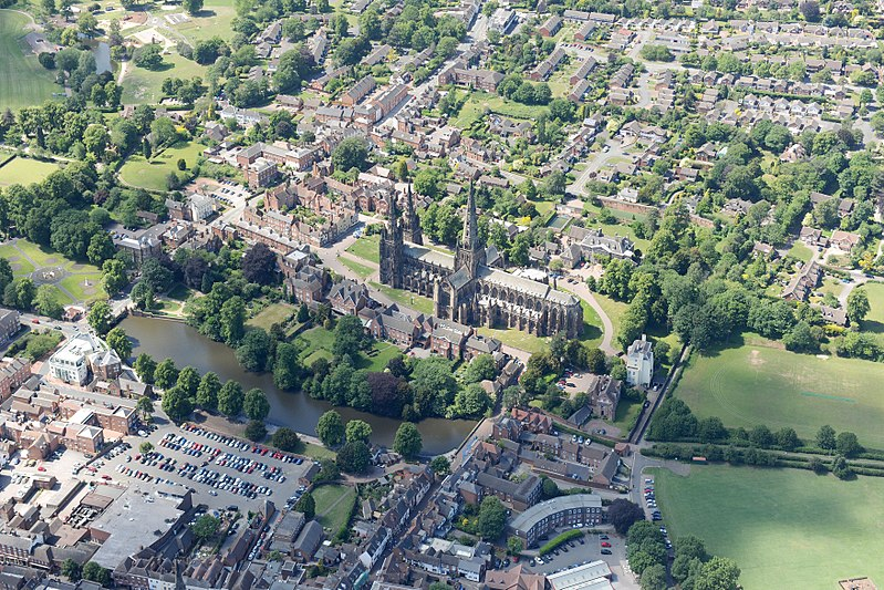File:Lichfield Cathedral, Staffordshire - aerial.jpg