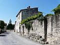 Lisle Château haut contreforts.JPG
