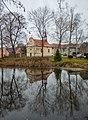 Mšecké Žehrovice rybník a kostel.jpg