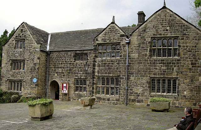 Manor House Museum and Art Gallery
