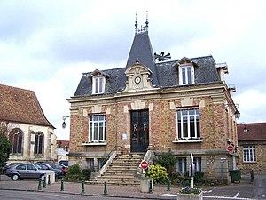 Maurecourt - Town hall