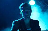 Max Henry (Suuns) (Haldern Pop 2013) IMGP2650 smial wp.jpg