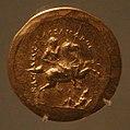 Medaglioni aurei romani da tesoro di aboukir, inv. 2429 alessandro a cavallo con ramatura e diadema.jpg