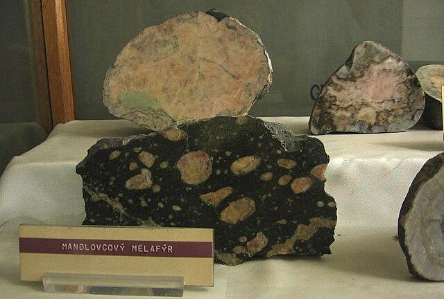 Mandlovcový melafýr z prvohôr