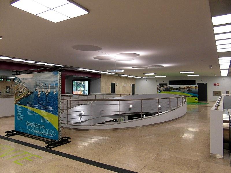 Metrô dentro do aeroporto de Lisboa