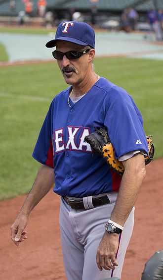 Mike Maddux - Maddux coaching with the Rangers in 2009