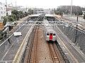 Minami-makigahara Station Platform.jpg