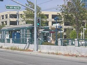Moffett Park station - Image: Moffett Park VTA 1085 02