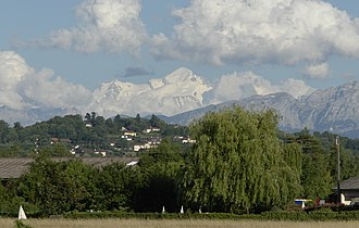 Puplinge - Image: Mont Blanc depuis Puplinge, canton de Genève, Suisse