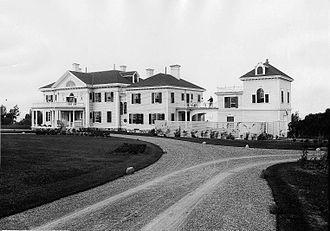 H. Montagu Allan - Montrose, Cacouna, the Allans' summer residence, 1901