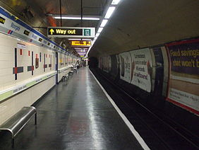Moorgate station Great Northern platform 9 look south.JPG