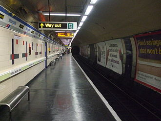Moorgate tube crash - Looking into the dead-end tunnel from platform 9 at Moorgate station