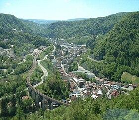 La cluse de Morezvue depuis le viaduc des Crottes.