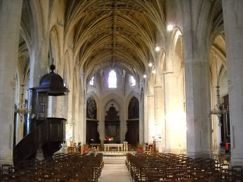 File:Mortagne-au-Perche - Église Notre-Dame - Nef centrale.JPG