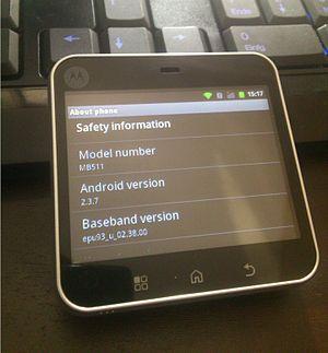 Motorola Flipout - Image: Motorola Android 2.3.7 via Cyanogen Mod 7.2