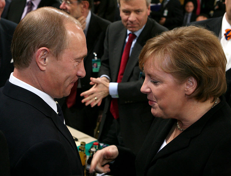 File:Msc 2007-Saturday, 09.00 - 11.00 Uhr-Zwez 008 Putin Merkel.jpg