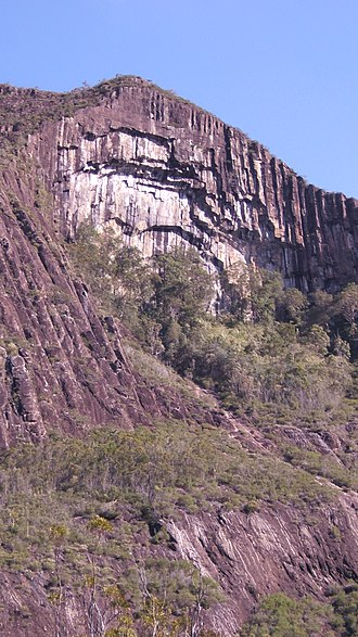 Glass House Mountains - The cliffs of Mount Beerwah