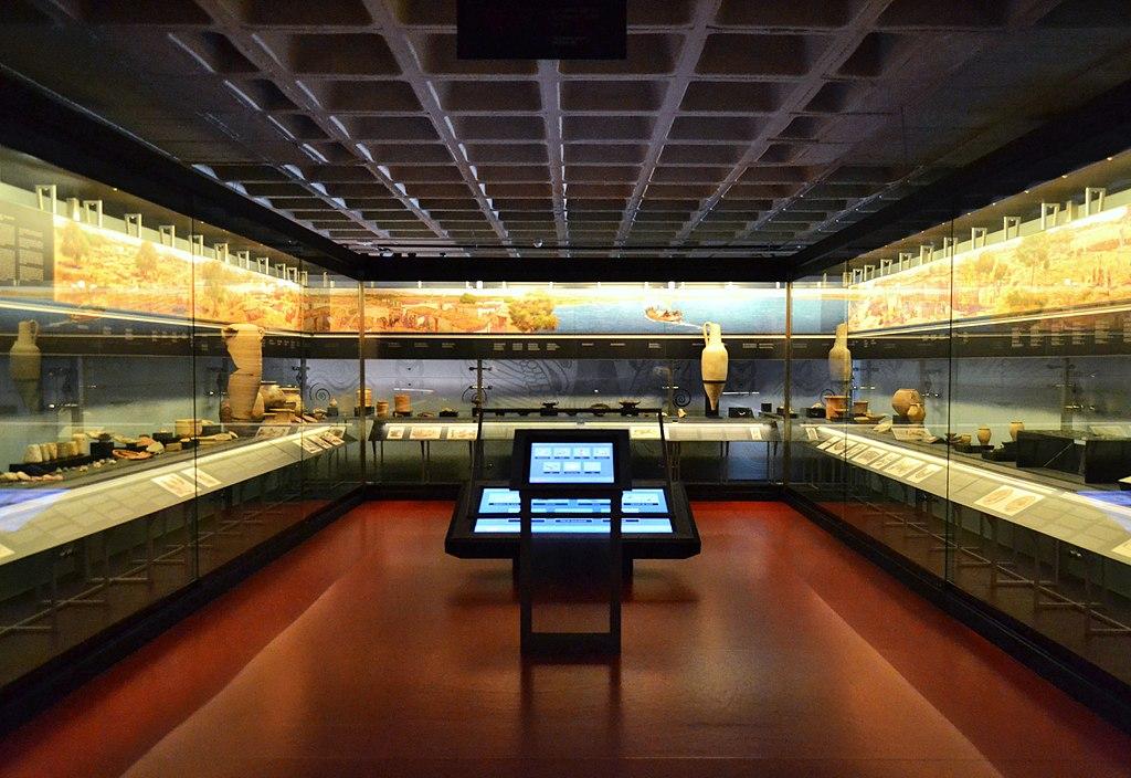 Museu Arqueològic i d'Història d'Elx, interior.jpg