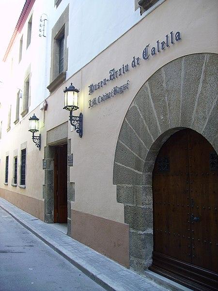 File:Museu Arxiu de Calella.JPG