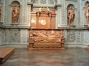 Anna Jagiellon - Anna's tomb in the Sigismund's Chapel completed while she was still alive