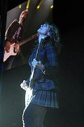 Young Nancy Wilson Guitarist