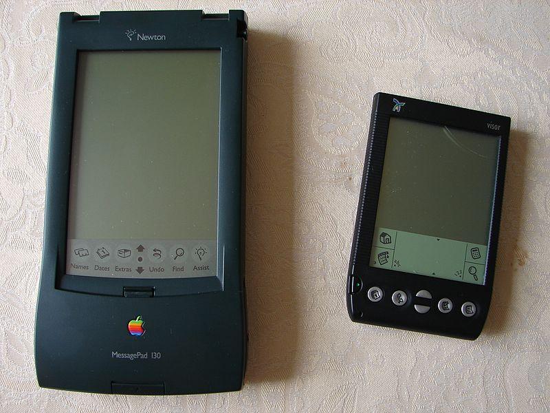 File:Newton MessagePad 130 et Handspring Visor (516565638).jpg