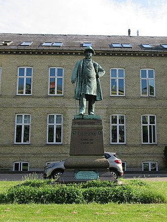 Niels Johannes Fjord - Statue of Niels Fjord