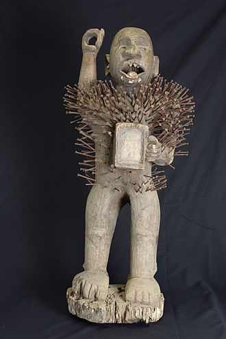 Tribal art - Congolese Nkisi Nkondi, a female power figure, with nails, collection BNK, Royal Tribal Art