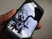 Nokia N8 gorilla glass screen (5083750412).jpg