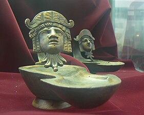 Nova-Zagora-history-museum-lamps-1-2century