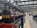 On platform in Glasgow Central railway station 03.jpg