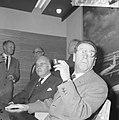 Opdracht Uitgeverij Bruna te Utrecht, Georges Simenon bij aankomst Schiphol, Bestanddeelnr 917-7503.jpg