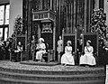 Opening Staten Generaal , koningin Juliana spreekt de troonrede uit, links Prins, Bestanddeelnr 916-8818.jpg