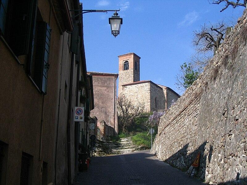File:Oratorio della Santissima Trinità - Arquà Petrarca.jpg