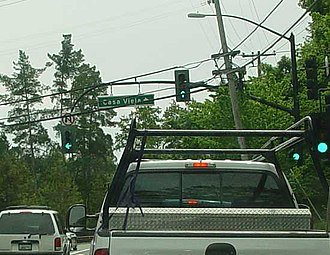 Traffic-light signalling and operation - Left and through signals on a 'J-arm' in Orinda, California