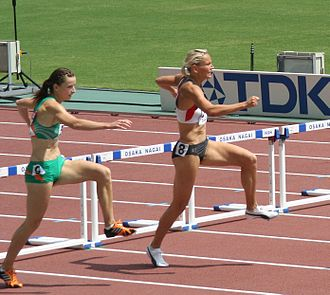 Equal opportunity - The formal conception focuses on procedural fairness during the competition: are the hurdles the same height? (photo: athletes Ulrike Urbansky and Michelle Carey in Osaka)