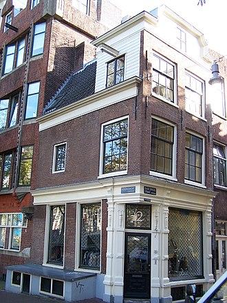 Negen Straatjes - Image: Oude Spiegelstraat 12 corner with Herengracht