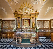 Our Lady of the Gate of Dawn Interior, Vilnius, Lithuania - Diliff.jpg