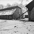 Overzicht van de achtergevel van de boerderij met dubbele inrijdeur en hooiluik - Baarn - 20027203 - RCE.jpg