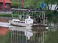 Přívoz Libčice - Dol, převozní loď.jpg