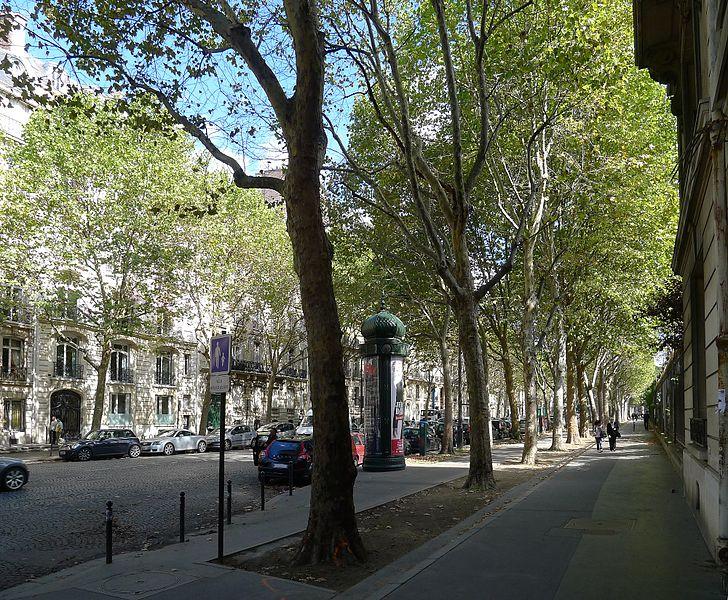 Fichier:P1050385 Paris VIII et XVII boulevard de Courcelles rwk.JPG