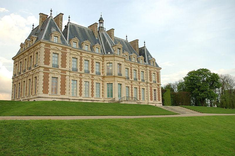 http://upload.wikimedia.org/wikipedia/commons/thumb/0/05/Parc_de_Sceaux2.jpg/800px-Parc_de_Sceaux2.jpg