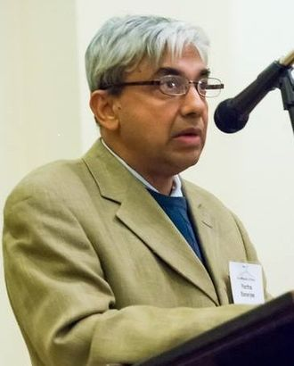 Partha Banerjee - Introducing Noam Chomsky at Brooklyn For Peace's 30th anniversary dinner on November 15, 2014.