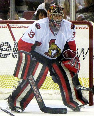 Pascal Leclaire - Leclaire tending goal as a member of the Ottawa Senators.