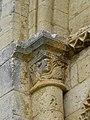 Paussac-et-Saint-Vivien (24) Église Saint-Timothée Extérieur Chapiteau 01.JPG