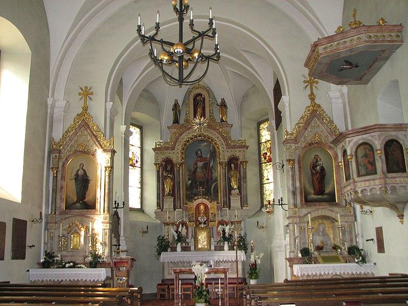 Datei:Pfarrkirche Ebenau Altarraum.JPG