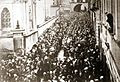 Piłsudski Ostra Brama 04.1919.jpg