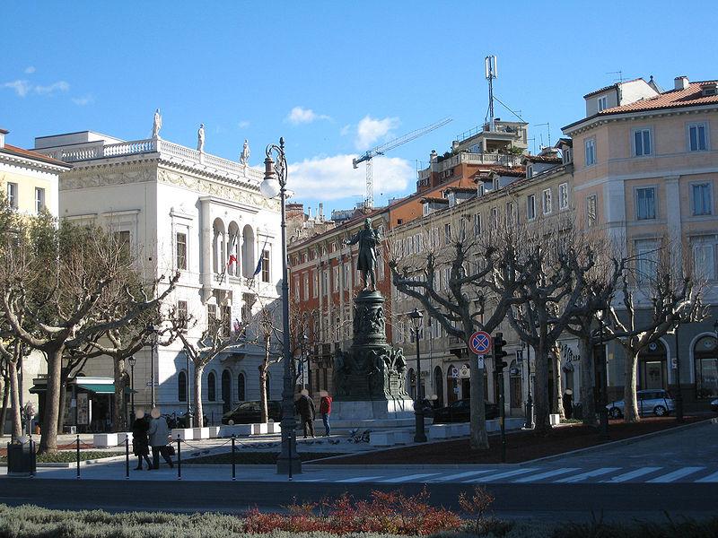 File:Piazza Venezia Trieste.jpg - Wikipedia
