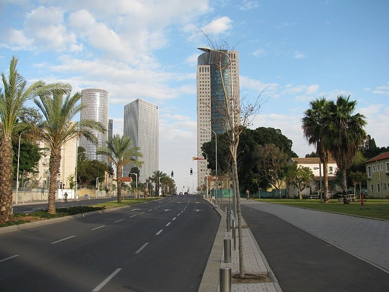File:PikiWiki Israel 6191 Towers in Tel - Aviv.JPG