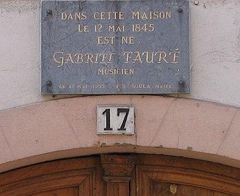 Plaque commémorative sur le lieu de naissance ...